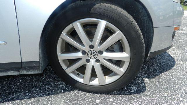 2010 Volkswagen Passat Komfort Hudson , Florida 4