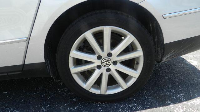 2010 Volkswagen Passat Komfort Hudson , Florida 6