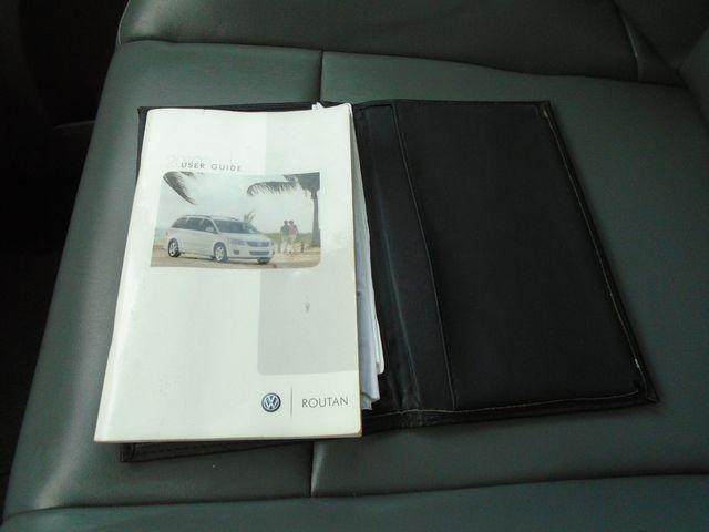 2010 Volkswagen Routan SE in Alpharetta, GA 30004