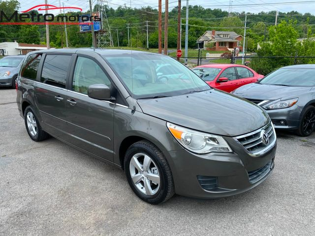 2010 Volkswagen Routan SE in Knoxville, Tennessee 37917