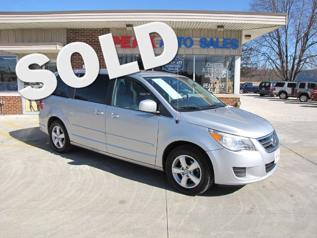 2010 Volkswagen Routan SE in Medina, OHIO 44256