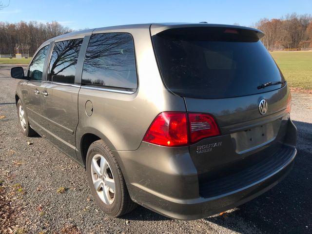 2010 Volkswagen Routan SE Ravenna, Ohio 2