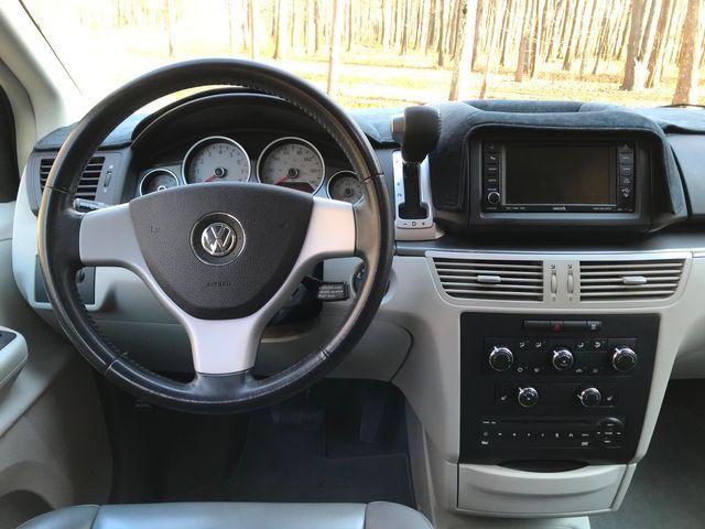 2010 Volkswagen Routan SE Ravenna, Ohio 9