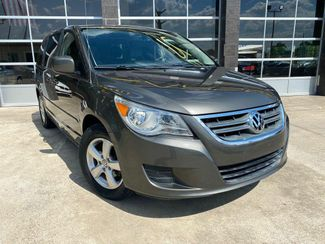 2010 Volkswagen Routan SE in Richardson, TX 75080