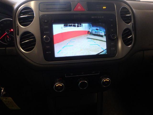 2010 Volkswagen Tiguan, B/U Camera LARGE ROOF, TOW PKG, WOLFSBURG!~ Saint Louis Park, MN 8