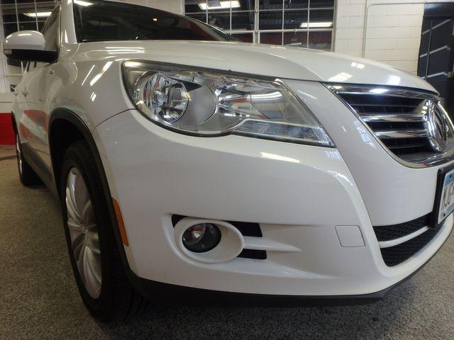 2010 Volkswagen Tiguan, B/U Camera LARGE ROOF, TOW PKG, WOLFSBURG!~ Saint Louis Park, MN 21