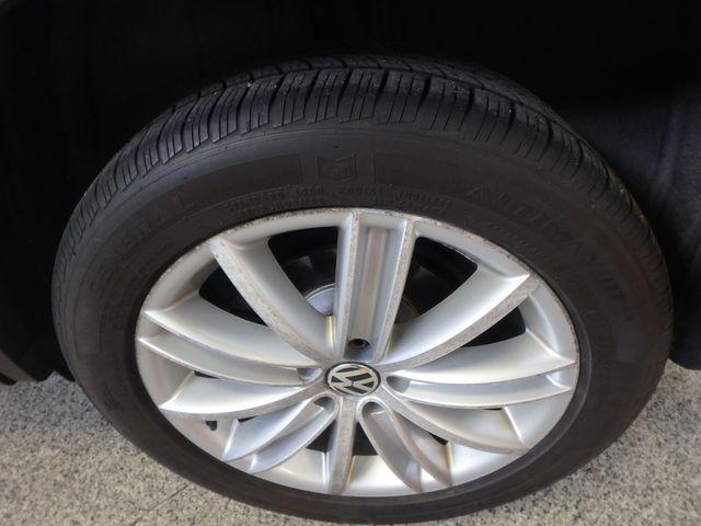 2010 Volkswagen Tiguan, B/U Camera LARGE ROOF, TOW PKG, WOLFSBURG!~ Saint Louis Park, MN 28