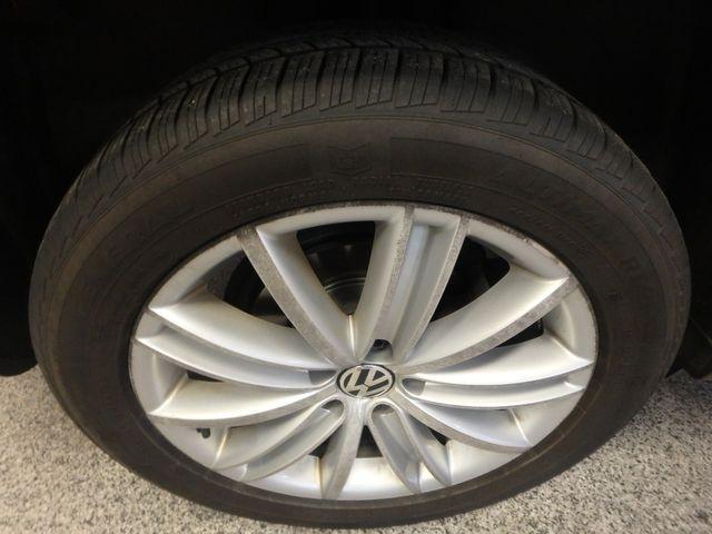 2010 Volkswagen Tiguan, B/U Camera LARGE ROOF, TOW PKG, WOLFSBURG!~ Saint Louis Park, MN 29