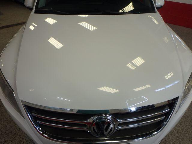 2010 Volkswagen Tiguan, B/U Camera LARGE ROOF, TOW PKG, WOLFSBURG!~ Saint Louis Park, MN 26