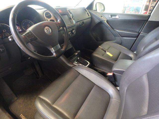 2010 Volkswagen Tiguan, B/U Camera LARGE ROOF, TOW PKG, WOLFSBURG!~ Saint Louis Park, MN 2