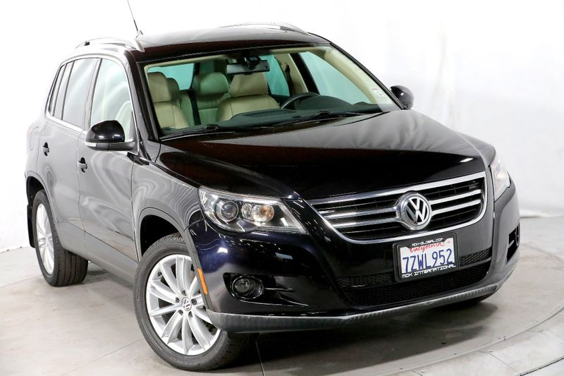 2010 Volkswagen Tiguan SEL - Leather - Navigation - Panoramic sunroof  city California  MDK International  in Los Angeles, California