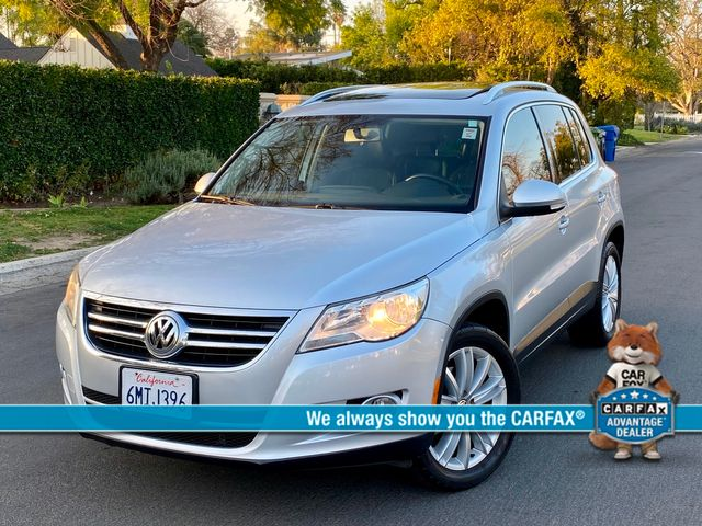 2010 Volkswagen TIGUAN SE AUTOMATIC LEATHER PANORAMIC ROOF NEW TIRES SERVICE RECORDS