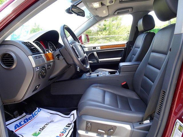2010 Volkswagen Touareg V6 Madison, NC 25