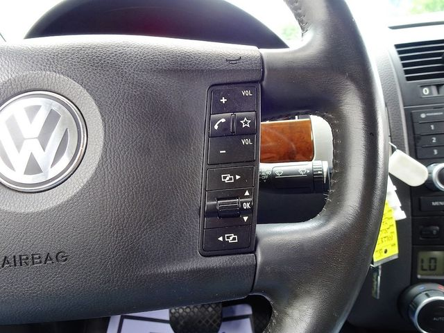2010 Volkswagen Touareg V6 Madison, NC 13