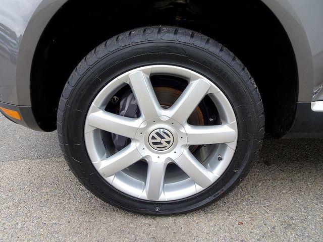 2010 Volkswagen Touareg V6 Madison, NC 9