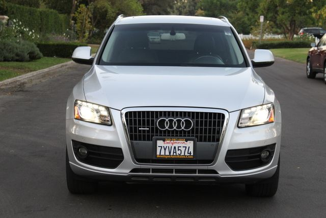 2011 Audi Q5 2.0T PREMIUM PLUS NAVIGATION PANORAMIC ROOF SERVICE RECORDS in Van Nuys, CA 91406
