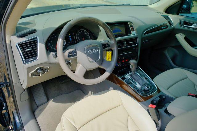 2011 Audi Q5 3.2L Premium Plus in Memphis, Tennessee 38115