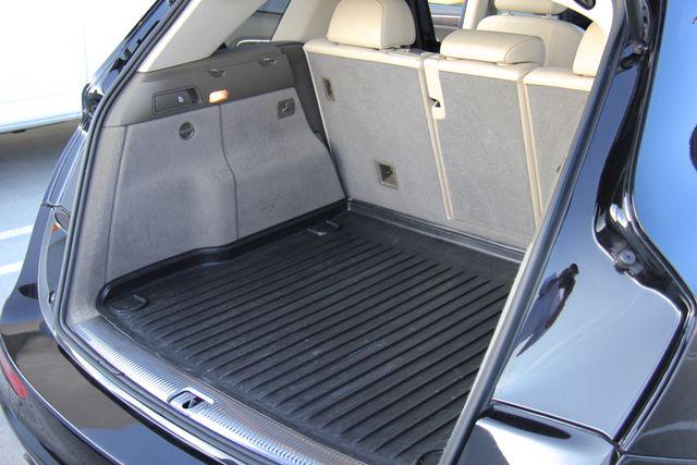 2011 Audi Q5 3.2L Premium Plus in Reseda, CA, CA 91335