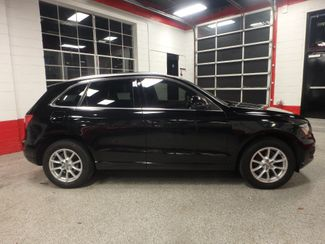 2011 Audi Q5 Premium PLUS. B/U CAMERA, FULL ROOF, LIKE NEW. Saint Louis Park, MN 1