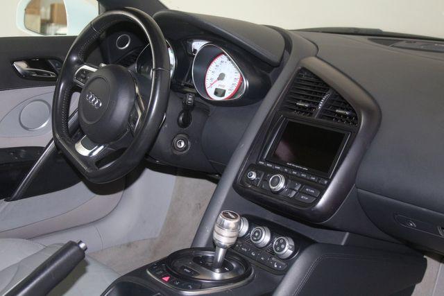 2011 Audi R8 V10 5.2L Houston, Texas 23