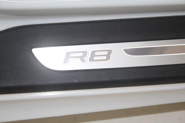 2011 Audi R8 V10 5.2L Houston, Texas 24
