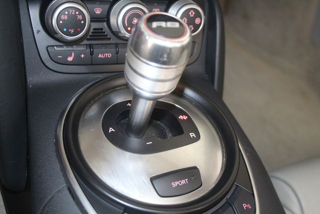 2011 Audi R8 V10 5.2L Houston, Texas 31
