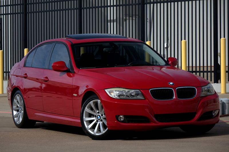 2011 BMW 328i Sunroof* Only 94k Mi* Ez Finance** | Plano, TX | Carrick's Autos in Plano TX