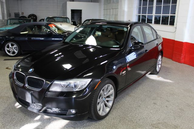 2011 Bmw 328i X-Drive, Low Miles, VERY SHARP, VERY TIGHT. PB INTERIOR. Saint Louis Park, MN 8
