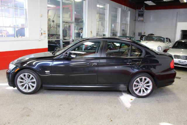 2011 Bmw 328i X-Drive, Low Miles, VERY SHARP, VERY TIGHT. PB INTERIOR. Saint Louis Park, MN 9