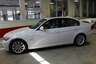 2011 Bmw 328 X-Drive CLEAN, WHITE 2-TONE INTERIOR! SHARP! Saint Louis Park, MN 10
