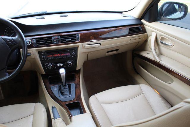 2011 BMW 328i xDrive SEDAN AUTOMATIC LEATHER SUNROOF in Woodland Hills, CA 91367