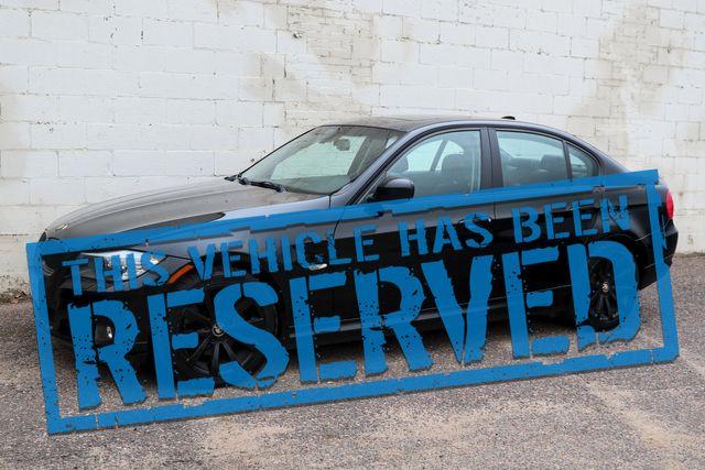 2011 BMW 328xi xDrive AWD Luxury Sport Sedan with Heated Seats, Moonroof, Power Seats and Hi-Fi Audio