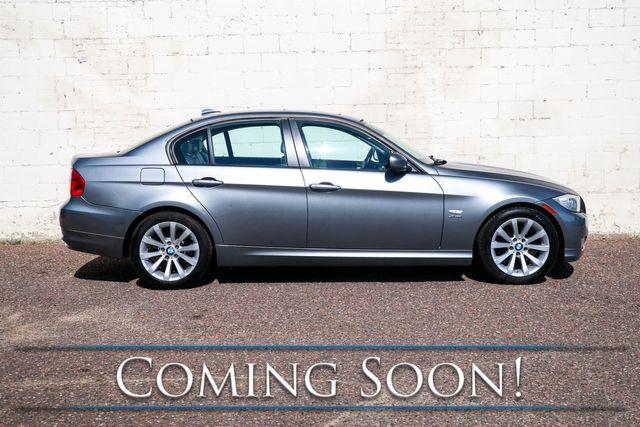 2011 BMW 328xi xDrive AWD Luxury Sedan w/Nav, Heated Seats, Power Seats and Power Moonroof