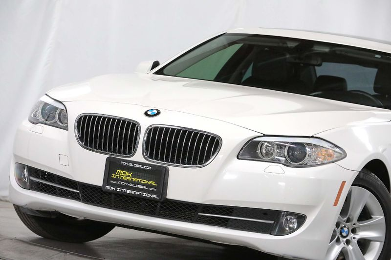 2011 BMW 528i - Navigation - Service records  city California  MDK International  in Los Angeles, California