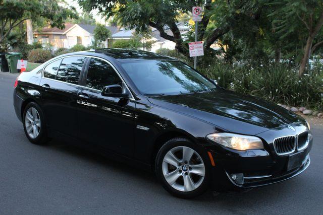 2011 BMW 528i PREMIUM PKG NEW TIRES SERVICE RECORDS in Van Nuys, CA 91406