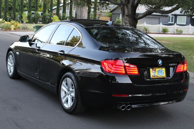 2011 BMW 528i PREMIUM PKG NAVIGATION 1-OWNER SERVICE RECORDS in Van Nuys, CA 91406