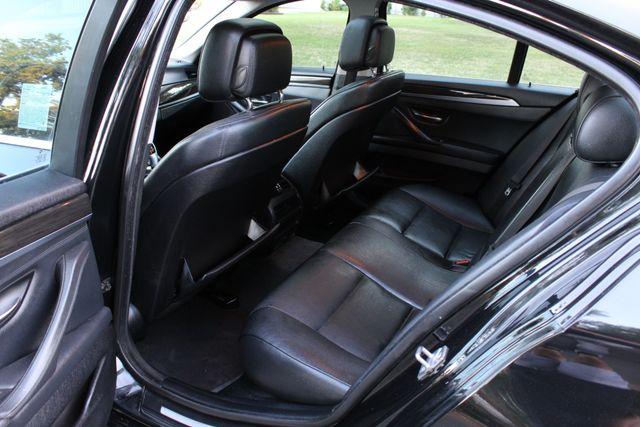 2011 BMW 528i PREMIUM PKG NAVIGATION NEW TIRES SERVICE RECORDS in Van Nuys, CA 91406