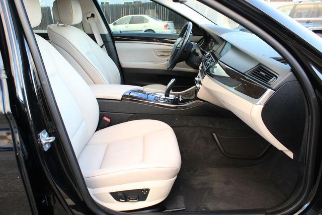 2011 BMW 528i SEDAN NAVIGATION SERVICE RECORDS in Woodland Hills, CA 91367