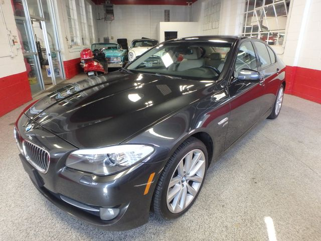 2011 Bmw 535 -Drive, BACK-UP CAMERA, LOADED AND SERVICED Saint Louis Park, MN 1