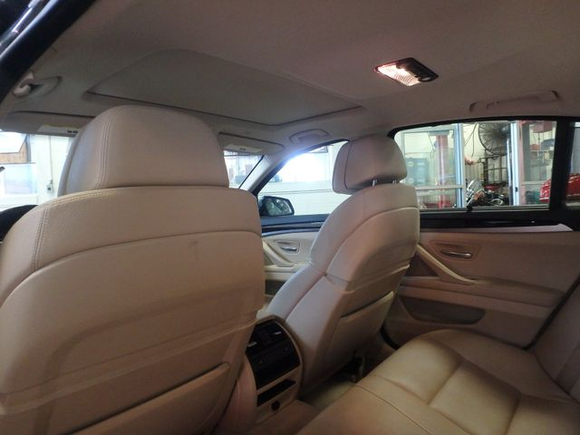 2011 Bmw 535 -Drive, BACK-UP CAMERA, LOADED AND SERVICED Saint Louis Park, MN 17