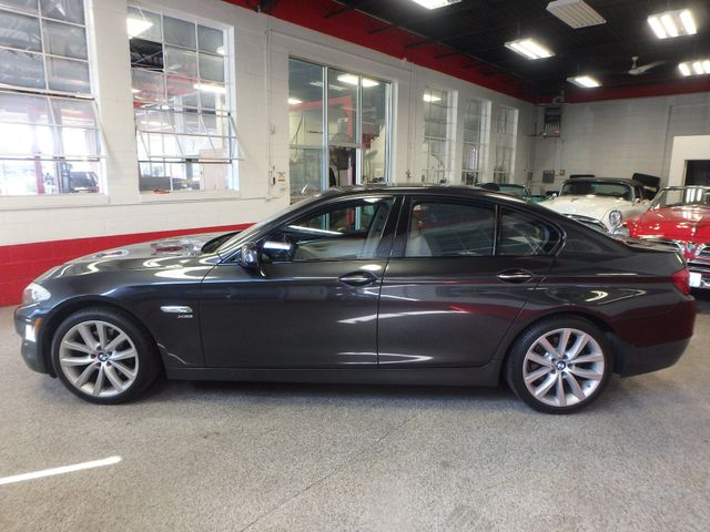 2011 Bmw 535 -Drive, BACK-UP CAMERA, LOADED AND SERVICED Saint Louis Park, MN 7