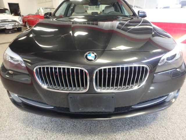 2011 Bmw 535 -Drive, BACK-UP CAMERA, LOADED AND SERVICED Saint Louis Park, MN 22