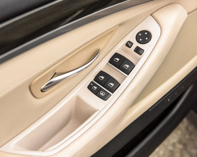 2011 BMW 550i Burbank, CA 28