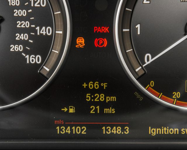 2011 BMW 550i Burbank, CA 34