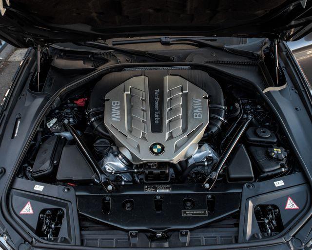 2011 BMW 550i Burbank, CA 32