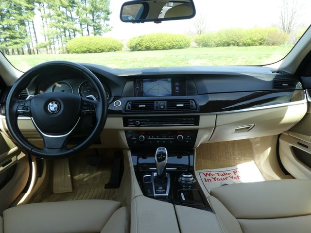 2011 BMW 550i Leesburg, Virginia 16