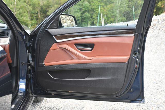 2011 BMW 550i xDrive Naugatuck, Connecticut 10