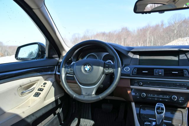 2011 BMW 550i xDrive Naugatuck, Connecticut 17