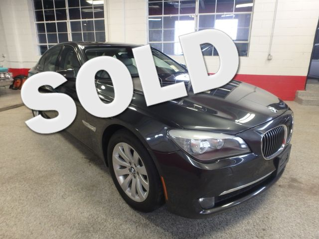 2011 Bmw 750 Xi Awd. KING OF THE ROAD! LOADED & CLEAN! Saint Louis Park, MN