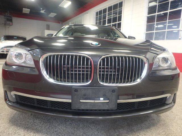 2011 Bmw 750 Xi Awd. KING OF THE ROAD! LOADED & CLEAN! Saint Louis Park, MN 28